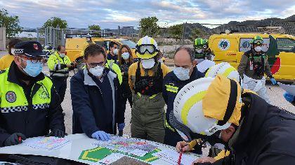 El alcalde de Lorca recibe a las brigadas forestales que realizan hoy tareas de desinfección en la ciudad