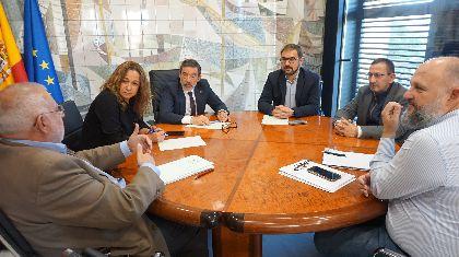 El alcalde de Lorca se reúne en la Delegación del Gobierno de Murcia para estudiar ''un paquete de medidas relativas a la terminación de las justificaciones y de los expedientes de reconstrucción''