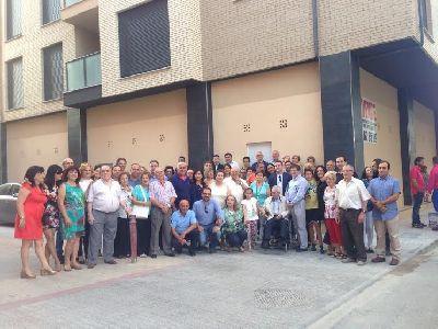La entrega de llaves a las 32 familias del edificio ''Puente Viejo'', demolido tras los terremotos, aumenta el n�mero de viviendas reconstruidas a m�s de 530