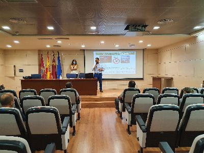 El alcalde recibe a los 32 integrantes del programa mixto de empleo y formación 'Pasarela'