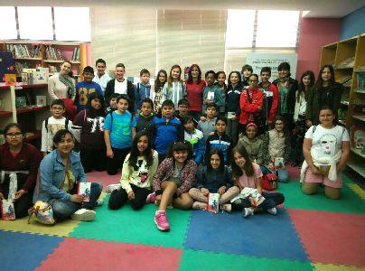 400 escolares han participado esta semana en los ''Encuentros con Autor'' de las Bibliotecas Municipales con la escritora Mónica Rodríguez