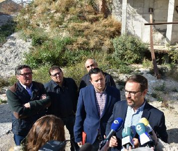 El Ayuntamiento de Lorca inicia los procedimientos necesarios para actuar con urgencia en el abandonado solar de la calle Portijico