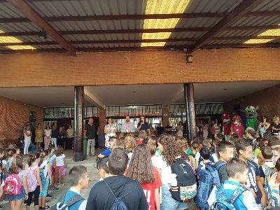 El curso se ha iniciado hoy en Lorca con aproximadamente 3.300 niños en infantil y 6.850 alumnos en primaria
