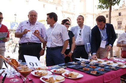El municipio amplía su oferta de Feria con las rutas de la tapa y el cóctel, y un atractivo Menú de Feria con platos típicos lorquinos por sólo 12 euros