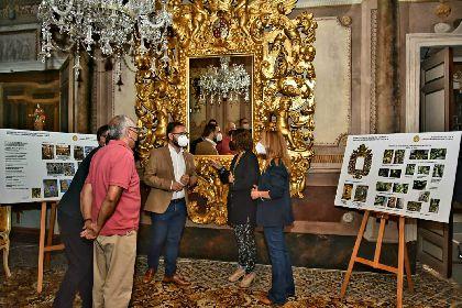 El gran espejo barroco vuelve al Palacio de Guevara tras finalizar su restauración a cargo del Ayuntamiento