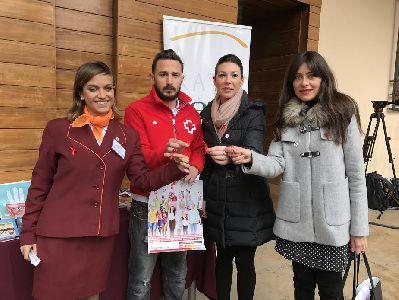 Ayuntamiento y Cruz Roja Juventud conmemoran el Día Mundial del SIDA con campañas informativas para concienciar sobre la importancia de la prevención del VIH