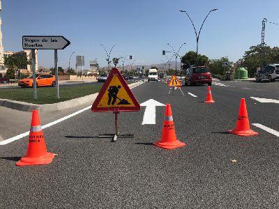 La Policía Local de Lorca pone en marcha una batería de trabajos de repintado de la señalítica horizontal del casco urbano de la ciudad