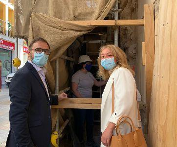 Entran en su última fase los trabajos de restauración de la fachada del Palacio de Guevara para acabar con las humedades
