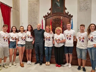 Las camisetas con el lema ''¡Viva Lorca que es mi pueblo!'' ayudarán a promocionar el folklore local