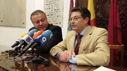 El Alcalde subraya el impulso decisivo que Francisco Bernab� ha otorgado a la construcci�n de la Nueva Lorca