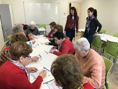 La Concejalía del Mayor amplía a 26 los cursos gratuitos de estimulación cognitiva, nuevas tecnologías y área artística de los que se benefician más de 300 mayores del municipio
