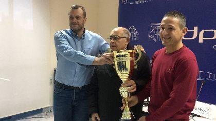 Juan Pedro Martínez Simón recibe un reconocimiento como el mejor cazador lorquino del año 2017