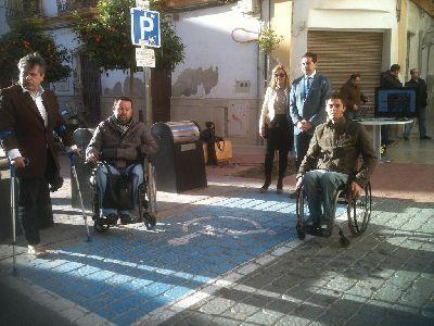 El Ayuntamiento de Lorca pone en marcha en www.lorca.es un servicio para localizar las 125 plazas de aparcamiento para personas con discapacidad física