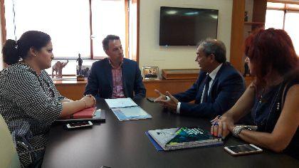 El Centro de Iniciativas Empresariales de Lorca contará con una oficina de asesoramiento para cooperativas fruto del acuerdo entre Ayuntamiento y UCOMUR