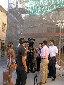 Las obras de restauración del Porche de San Antonio, seriamente dañado a causa de los terremotos, finalizarán este mismo verano