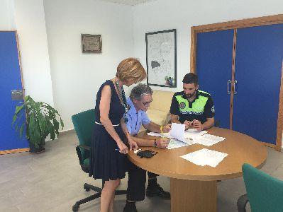 Miembros de la UPROL de Lorca detienen en La Torrecilla a una persona que se encontraba en búsqueda, captura y detención por cometer tres robos con fuerza en distintas casas