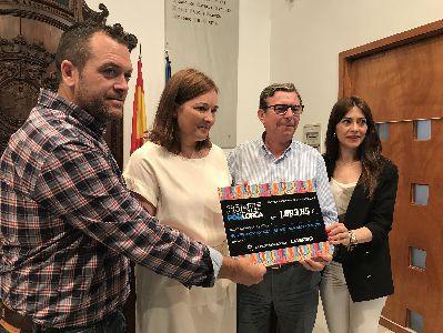 La VII carrera popular ''Corre por Lorca'' organizada por el Ayuntamiento y el diario La Verdad recauda 1.893´85 euros para la Mesa Solidaria