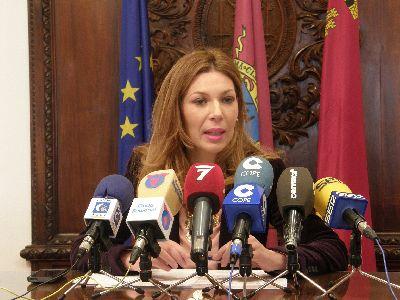 El Ayuntamiento subraya la contribución ''decisiva'' de la Mesa Solidaria al proceso de recuperación de la ciudad tras los terremotos