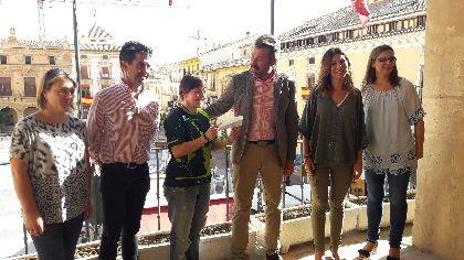 La solidaridad de los lorquinos consigue que la II edición de ''Lorca está de moda'' recaude 2.275 euros para seguir con los proyectos que se desarrollan desde APAT Lorca