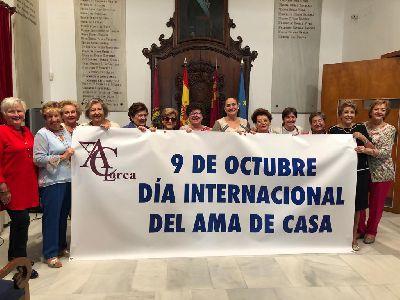 La Asociación de Amas de Casa, Consumidores y Usuarios conmemora el Día de este colectivo con una eucaristía en el santuario patronal y una comida de convivencia
