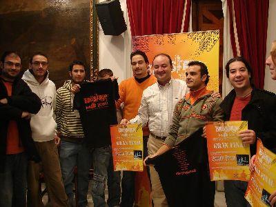 El concurso Back Stage Music, premiará al ganador con la grabación de un disco, la edición de mil copias y un videoclip