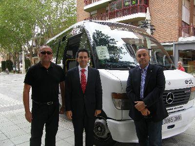Entra en servicio una nueva línea de autobús que une el centro de Lorca con el Parador Nacional de Turismo y el Castillo