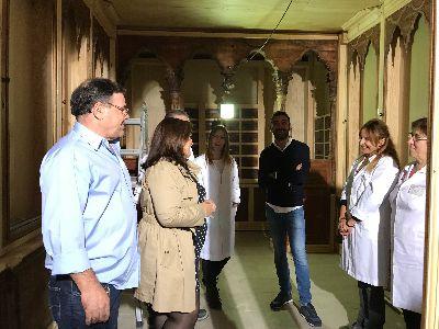 La Concejalía de Desarrollo Local comienza el montaje de la histórica farmacia lorquina de Sala Just en el Palacio de Guevara