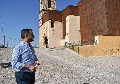 El Ayuntamiento de Lorca inicia los trabajos de pavimentación y mejora de la Plaza Coronela de la Iglesia de San Pedro
