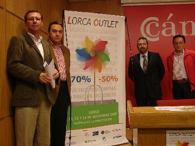 La Alameda de la Constitución acogerá este fin de semana la primera Feria Outlet de Lorca, en la que se podrá comprar con descuentos de hasta el 70%
