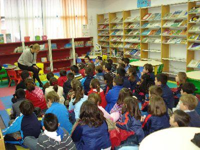 El escritor Carles Cano presenta su libro Querida Blanca en una nueva cita de los ''Encuentros con autor'' de las Bibliotecas Municipales de Lorca