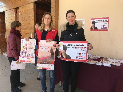 Ayuntamiento de Lorca y Cruz Roja Juventud unen esfuerzos para concienciar sobre la prevención del VIH con motivo del Día Mundial del SIDA