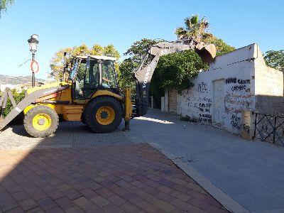 El Ayuntamiento lleva a cabo la necesaria demolición de dos viviendas para la ejecución del tramo 3 de la ronda