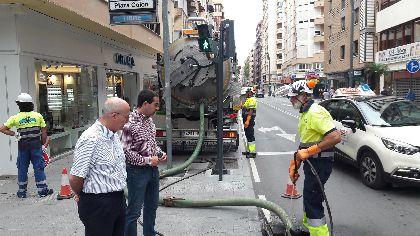 Aguas de Lorca revisa y pone a punto 3.000 imbornales y alcantarillas en nuestro término municipal con el fin de evitar incidencias en caso de fuertes precipitaciones