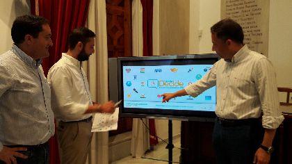 El Alcalde, Fulgencio Gil, anuncia la puesta en marcha de los presupuestos participativos en Lorca, que ya estarán en vigor en las cuentas municipales de 2018 con una experiencia piloto