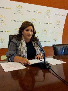 El Centro Cultural acoge el próximo lunes la inauguración de ''Presencia Fugaz'', la nueva colección de cuadros de la pintora María Francisca Arcas Campoy