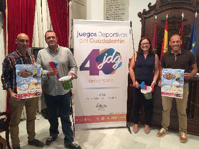 30 toneladas de arena sobre la Plaza de España permitirán a los niños lorquinos disfrutar este viernes de la Jornada de Juegos Tradicionales y Castillos de Arena de los Juegos del Guadalentín