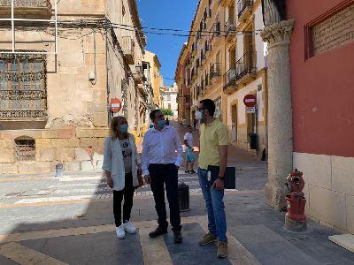 El Ayuntamiento concede licencia a Iberdrola para la retirada de cruces de cableado en varias calles del casco histórico