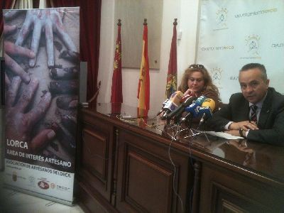 El Centro Cultural de Lorca acoge desde hoy y hasta el 6 de marzo la muestra del vidrio reutilizado y ecológico