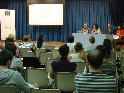Peñarrubia inaugura el primer curso de promoción y comercialización de productos y destinos turísticos que la Universidad del Mar organiza en Lorca