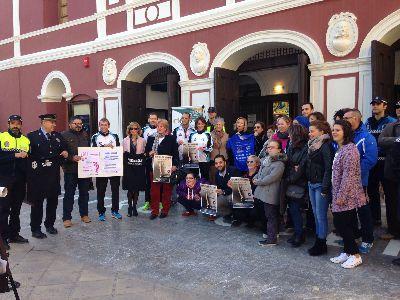 La III San Silvestre ''Ciudad de Lorca'' que se celebra el sábado 26 por la tarde será a beneficio de Down Lorca y solidaria con la igualdad de género