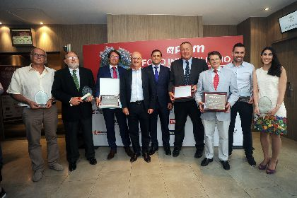 La Asociaci�n de Promotores Inmobiliarios premia al Alcalde de Lorca por su impulso al proceso de reconstrucci�n y recuperaci�n de la ciudad tras los terremotos de 2011
