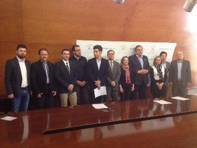 El Ayuntamiento de Lorca edita 8.000 publicaciones del Cortejo y logra el patrocinio de diez empresas y entidades para el dispositivo de información turística de Semana Santa