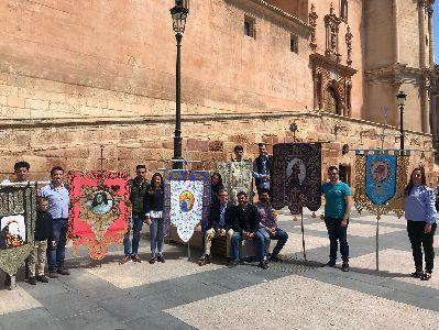 La Corredera acogerá mañana la XIX edición de la ''Procesión del Papel'' en la que participarán más de mil jóvenes de las cofradías lorquinas