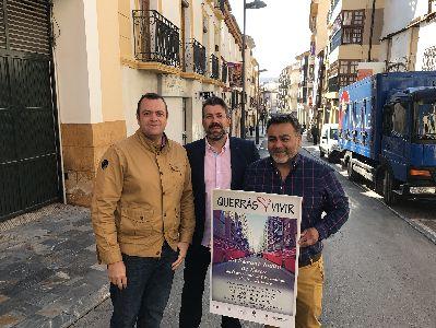 La Concejalía de Comercio y la Unión de Comerciantes se unen para engalanar las calles del centro histórico de Lorca con motivo de la Semana Santa