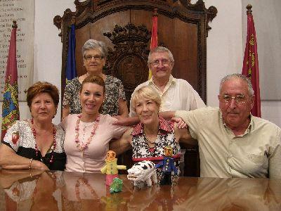 El grupo de abuelos cuentacuentos de la Concejalía del Mayor desarrolla una nueva iniciativa en el colegio Pilar Soubrier, guarderías, Centro de Atención Temprana y Hospital