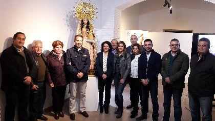 El Alcalde anuncia la conclusión del proceso de restauración de la imagen de la Virgen de la Salud, que podrá participar en el clásico acto de bajada desde su ermita este domingo