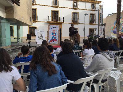 La lectura pública de El principito inaugura las 22 actividades que se celebrarán en Lorca para conmemorar la Semana del Libro