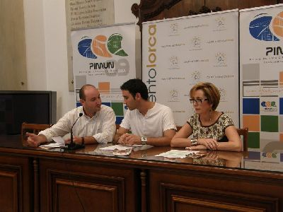 El Ayuntamiento de Lorca, el Consejo de la Juventud y Qdamos convierten el Huerto de la Rueda en un autocine gratuito, para prevenir el consumo de alcohol y drogas