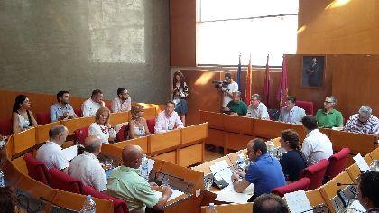 La nueva corporación municipal del Ayuntamiento supondrá un ahorro anual a las arcas municipales de 58.311 euros