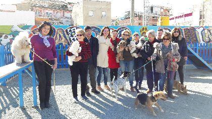 La Concejalía de Sanidad habilita 3 zonas de esparcimiento para mascotas en los parques de La Viña, Virgen de la Amargura y San José